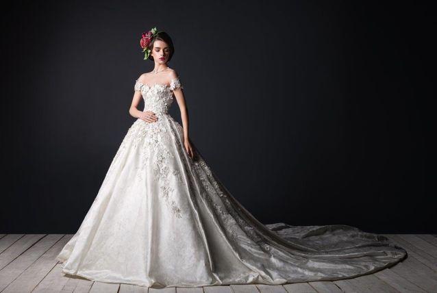 فساتين زفاف بأكمام الكاب لعروس