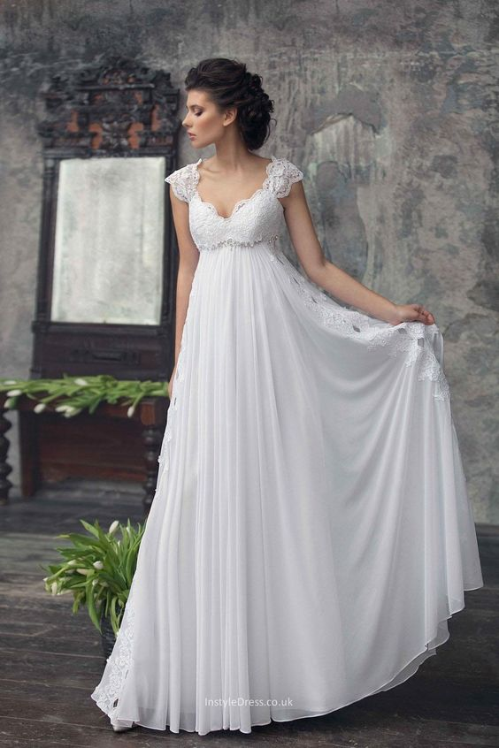 Wedding dress tips for petite brides arabia weddings for Petite bride wedding dress