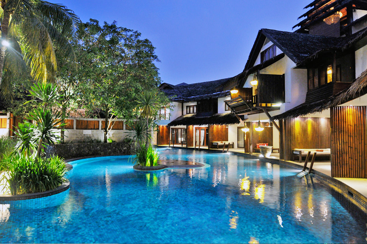 The best kuala lumpur hotels for your honeymoon arabia - Best hotel swimming pool in kuala lumpur ...