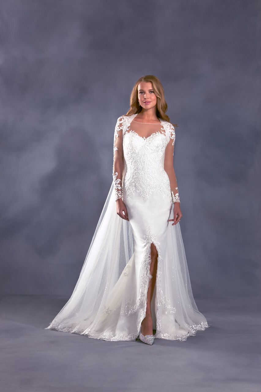 Alfred angelo disney dresses arabia weddings for Wedding dress disney collection