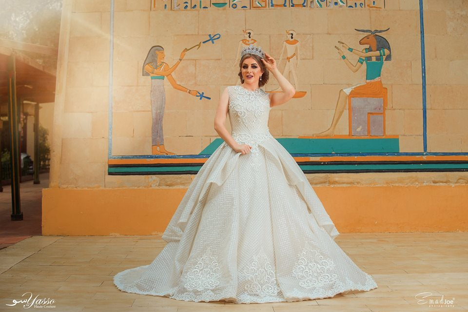c989881e391e1 يقع في 24 عباس العقاد، 107 شارع فيصل. يقدم محل فساتين الزفاف مجموعة من  فساتين الزفاف، فساتين السهرة، كما يقدم المحل خدمة تأجير فساتين الزفاف  للمهتمات.